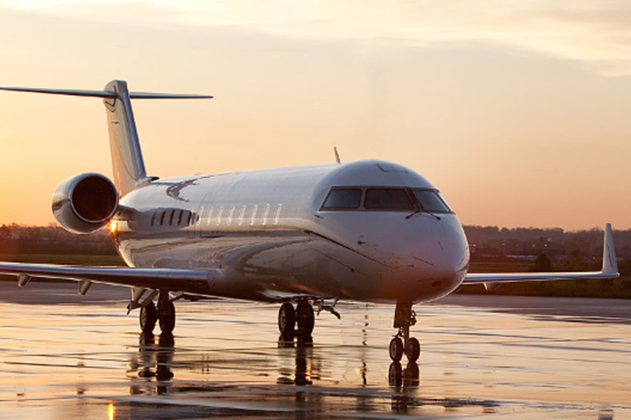 Bombardier Challenger 350 Custom Private Jet